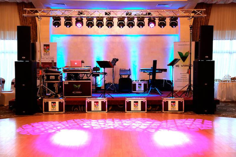 Echipament de sunet si lumini - Event Factory - Dj Vladu - Cabina Foto Showtime - Ramnicu Valcea - Nunta Botez Aniversare Majorat Eveniment Privat 7