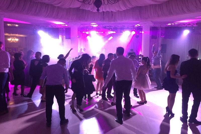 Event Factory - Dj Vladu - Cabina Foto Showtime - Ramnicu Valcea - Nunta Botez Aniversare Majorat Eveniment Privat dj 3