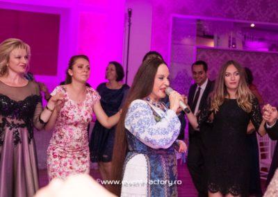 Roxana si Daniel Event Factory Dj Vladu Cabina Foto Showtime Ramnicu Valcea Maria Dragomiroiu Nunta Lumina Arhitecturala Fum Greu 9